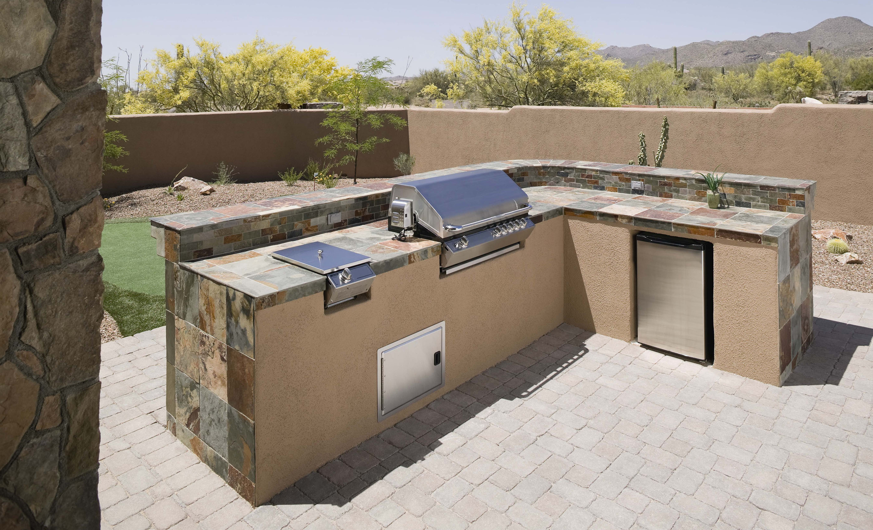 An outdoor kitchen covered by an ORHP home warranty.